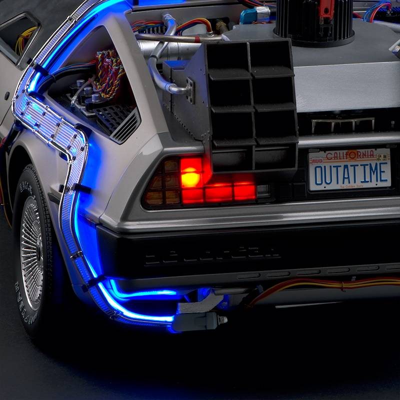 maquette 1:8 delorean interieur